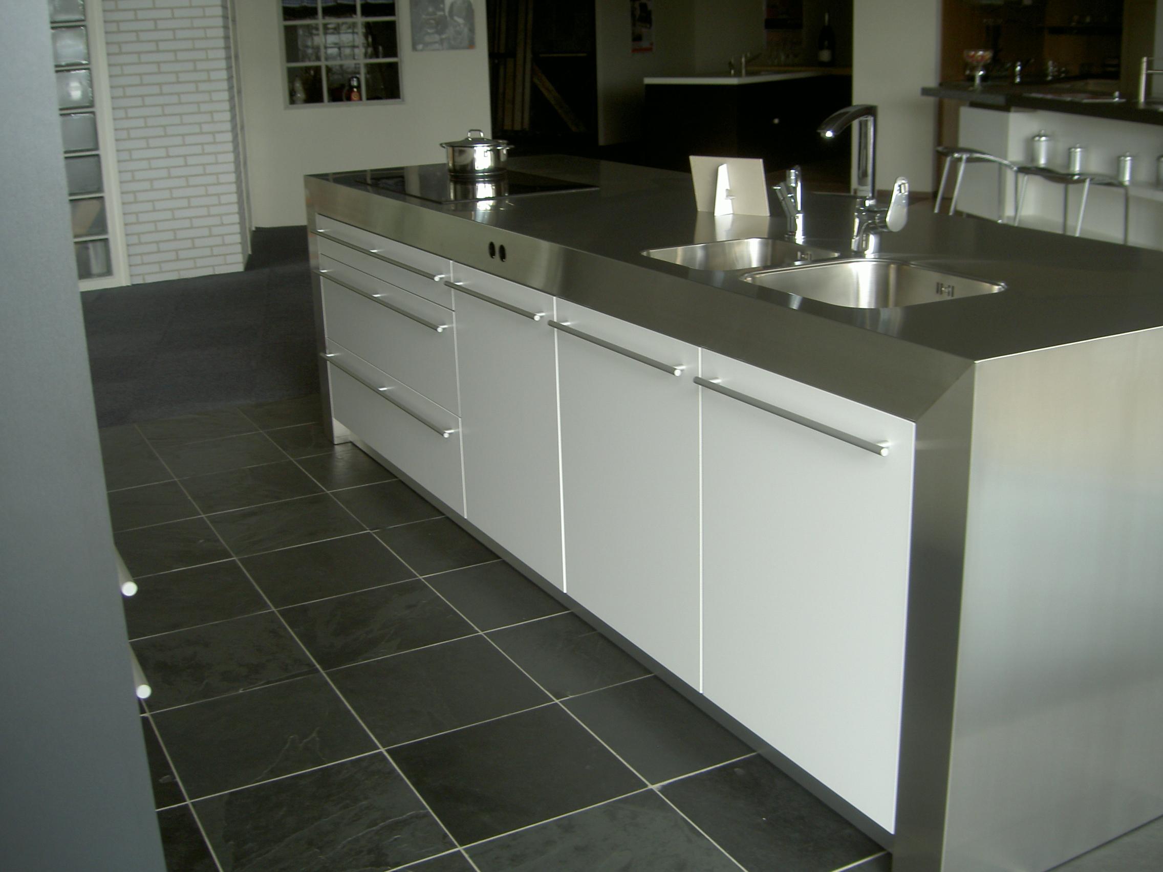 Rvs voor aanrechtbladen kuys keukens klik hierkuys keukens - Rvs plaat voor keuken ...