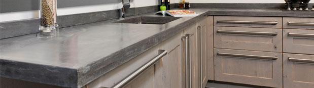 dekker bruine keuken
