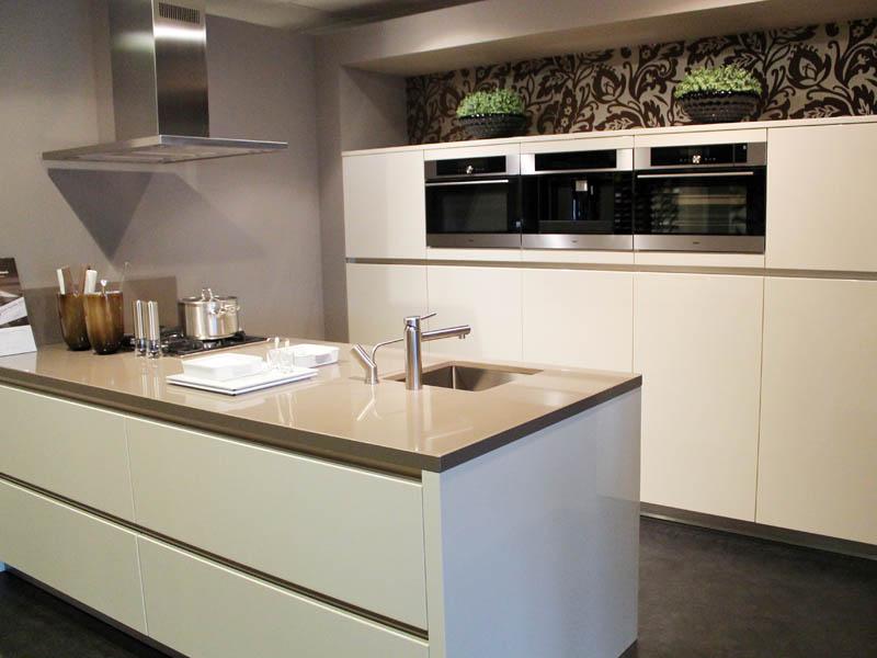 Keukenrenovatie Apparatuur : Showroom Kuys KeukensKuys Keukens